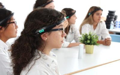 fotografía de alumnos de St Mary's School en el Laboratorio de Neurociencia Escolar
