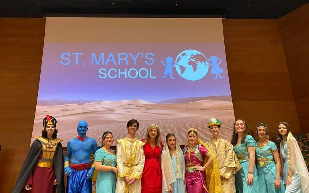 «Aladdin, El musical» representado por los alumnos de St. Mary's School.
